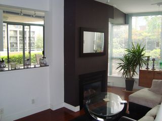 Photo 24: 202 1238 BURRARD Street in Altadena: Condo for sale : MLS®# V983075