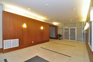 Photo 2: 202 1238 BURRARD Street in Altadena: Condo for sale : MLS®# V983075