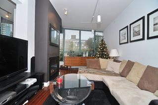 Photo 3: 202 1238 BURRARD Street in Altadena: Condo for sale : MLS®# V983075