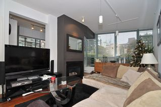 Photo 7: 202 1238 BURRARD Street in Altadena: Condo for sale : MLS®# V983075