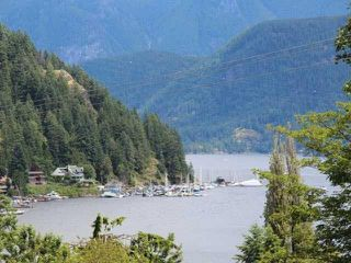 Photo 1: 2181 DEEP COVE Road in North Vancouver: Deep Cove House for sale : MLS®# R2182300