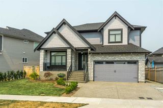 """Photo 1: 27687 RAILCAR Crescent in Abbotsford: Aberdeen House for sale in """"Station Woods"""" : MLS®# R2214452"""