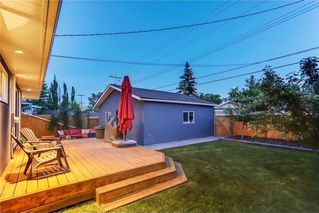 Photo 4: 39 WINDERMERE RD SW in Calgary: Wildwood House for sale : MLS®# C4135496