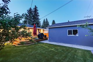Photo 15: 39 WINDERMERE RD SW in Calgary: Wildwood House for sale : MLS®# C4135496