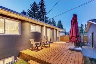 Photo 7: 39 WINDERMERE RD SW in Calgary: Wildwood House for sale : MLS®# C4135496