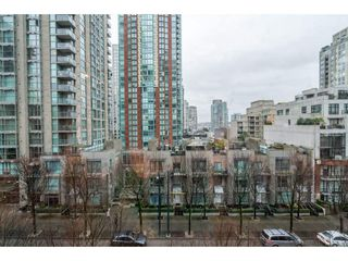 "Photo 16: 609 969 RICHARDS Street in Vancouver: Downtown VW Condo for sale in ""Mondrian II"" (Vancouver West)  : MLS®# R2235656"
