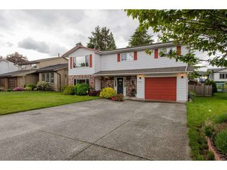 """Photo 1: 3767 SANDY HILL Road in Abbotsford: Abbotsford East House for sale in """"Sandy Hill"""" : MLS®# R2267138"""