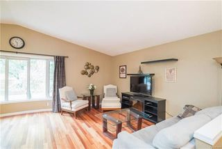 Photo 2: 30 Brookshire Street in Winnipeg: Lakeside Meadows Residential for sale (3K)  : MLS®# 1813738
