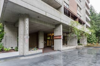 "Photo 2: 2202 3771 BARTLETT Court in Burnaby: Sullivan Heights Condo for sale in ""TIMBERLEA"" (Burnaby North)  : MLS®# R2301343"
