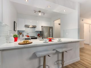 """Photo 6: 317 7377 SALISBURY Avenue in Burnaby: Highgate Condo for sale in """"The Beresford"""" (Burnaby South)  : MLS®# R2322595"""