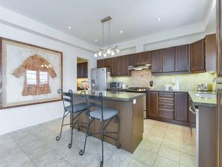 Photo 11: 30 Chapman Court in Aurora: Aurora Grove House (2-Storey) for sale : MLS®# N4328984