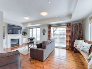 Photo 2: 30 Chapman Court in Aurora: Aurora Grove House (2-Storey) for sale : MLS®# N4328984