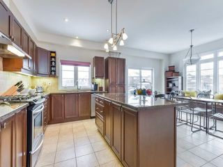Photo 9: 30 Chapman Court in Aurora: Aurora Grove House (2-Storey) for sale : MLS®# N4328984