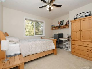 Photo 13: 766 Hanbury Place in VICTORIA: Hi Bear Mountain Single Family Detached for sale (Highlands)  : MLS®# 405114