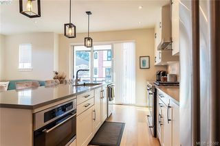 Photo 5: 2854 Turnstyle Cres in VICTORIA: La Langford Lake Row/Townhouse for sale (Langford)  : MLS®# 805715