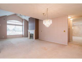 "Photo 3: 312 20381 96 Avenue in Langley: Walnut Grove Condo for sale in ""Chelsea Green / Walnut Grove"" : MLS®# R2341348"