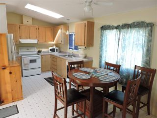 """Photo 7: 4 41168 LOUGHEED Highway in Mission: Dewdney Deroche Manufactured Home for sale in """"Oasis Estates"""" : MLS®# R2343161"""