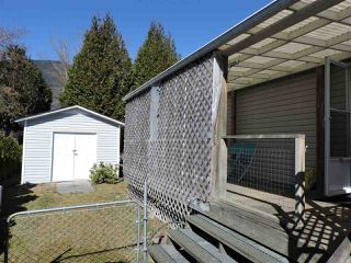 """Photo 2: 4 41168 LOUGHEED Highway in Mission: Dewdney Deroche Manufactured Home for sale in """"Oasis Estates"""" : MLS®# R2343161"""