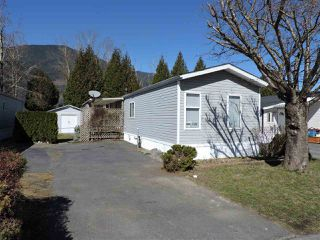 """Photo 1: 4 41168 LOUGHEED Highway in Mission: Dewdney Deroche Manufactured Home for sale in """"Oasis Estates"""" : MLS®# R2343161"""