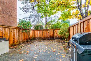"Photo 3: 105 316 CEDAR Street in New Westminster: Sapperton Condo for sale in ""REGAL MANOR/SAPPERTON"" : MLS®# R2363464"