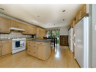 "Photo 9: 5805 MAYVIEW Circle in Burnaby: Burnaby Lake Townhouse for sale in ""ONE ARBOURLANE"" (Burnaby South)  : MLS®# R2363795"