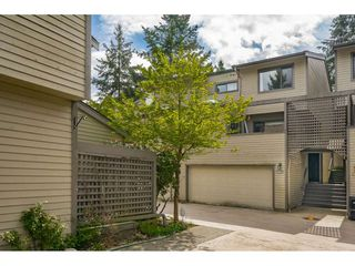 "Photo 2: 5805 MAYVIEW Circle in Burnaby: Burnaby Lake Townhouse for sale in ""ONE ARBOURLANE"" (Burnaby South)  : MLS®# R2363795"