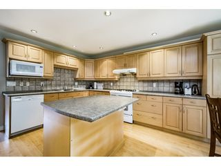 "Photo 8: 5805 MAYVIEW Circle in Burnaby: Burnaby Lake Townhouse for sale in ""ONE ARBOURLANE"" (Burnaby South)  : MLS®# R2363795"