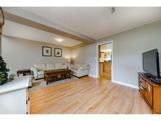 "Photo 6: 5805 MAYVIEW Circle in Burnaby: Burnaby Lake Townhouse for sale in ""ONE ARBOURLANE"" (Burnaby South)  : MLS®# R2363795"