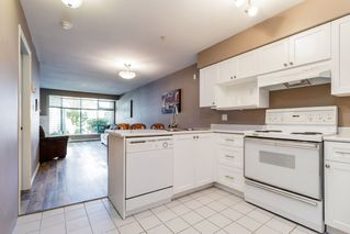 "Photo 5: 111 1966 COQUITLAM Avenue in Port Coquitlam: Glenwood PQ Condo for sale in ""PORTICA WEST"" : MLS®# R2378448"