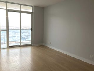 Photo 3: 2201 90 Absolute Avenue in Mississauga: City Centre Condo for lease : MLS®# W4480391