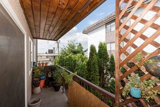 "Photo 11: 204 241 ST. ANDREWS Avenue in North Vancouver: Lower Lonsdale Condo for sale in ""Woodburn Place"" : MLS®# R2382570"