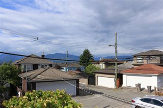 Photo 2: 3275 E 20TH Avenue in Vancouver: Renfrew Heights House for sale (Vancouver East)  : MLS®# R2383426