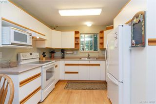Photo 11: 2374 Larsen Rd in SHAWNIGAN LAKE: ML Shawnigan Single Family Detached for sale (Malahat & Area)  : MLS®# 823125