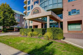 "Main Photo: 1701 3071 GLEN Drive in Coquitlam: North Coquitlam Condo for sale in ""PARC LAURENT"" : MLS®# R2413341"