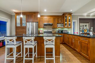 Photo 7: : House for sale : MLS®# r2399421