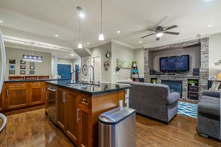 Photo 9: : House for sale : MLS®# r2399421