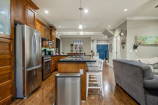 Photo 8: : House for sale : MLS®# r2399421