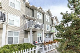 Main Photo: 15 Toscana Gardens NW in Calgary: Tuscany Row/Townhouse for sale : MLS®# A1046451