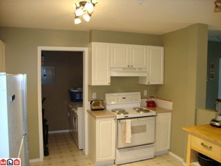 """Photo 4: 108 2750 FAIRLANE Street in Abbotsford: Central Abbotsford Condo for sale in """"FAIRLANE"""" : MLS®# F1107204"""