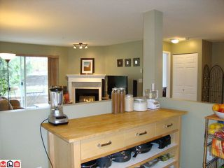 """Photo 5: 108 2750 FAIRLANE Street in Abbotsford: Central Abbotsford Condo for sale in """"FAIRLANE"""" : MLS®# F1107204"""