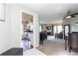 Photo 2: 403 3700 Carey Rd in VICTORIA: SW Gateway Condo for sale (Saanich West)  : MLS®# 674384