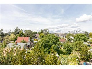 Photo 17: 403 3700 Carey Rd in VICTORIA: SW Gateway Condo for sale (Saanich West)  : MLS®# 674384
