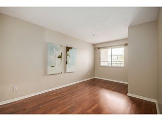 "Photo 7: 302 6475 CHESTER Street in Vancouver: Fraser VE Condo for sale in ""SOUTHRIDGE HOUSE"" (Vancouver East)  : MLS®# V1071434"