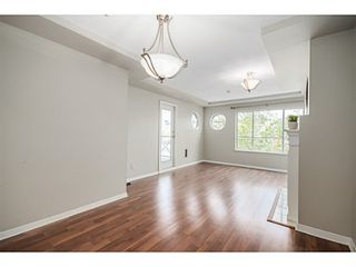 "Photo 5: 302 6475 CHESTER Street in Vancouver: Fraser VE Condo for sale in ""SOUTHRIDGE HOUSE"" (Vancouver East)  : MLS®# V1071434"