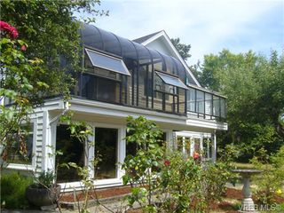 Photo 2: 2945 Admirals Road in VICTORIA: SW Portage Inlet Single Family Detached for sale (Saanich West)  : MLS®# 339446