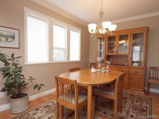 Photo 3: 1480 Thorpe Ave in COURTENAY: CV Courtenay East House for sale (Comox Valley)  : MLS®# 696083