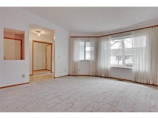 Photo 4: 43 LINCOLN Manor SW in Calgary: Lincoln Park House for sale : MLS®# C4008792
