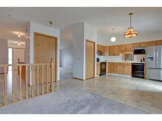 Photo 7: 43 LINCOLN Manor SW in Calgary: Lincoln Park House for sale : MLS®# C4008792
