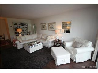 Photo 15: 205 1050 Park Blvd in VICTORIA: Vi Fairfield West Condo for sale (Victoria)  : MLS®# 702718
