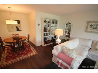 Photo 16: 205 1050 Park Blvd in VICTORIA: Vi Fairfield West Condo for sale (Victoria)  : MLS®# 702718